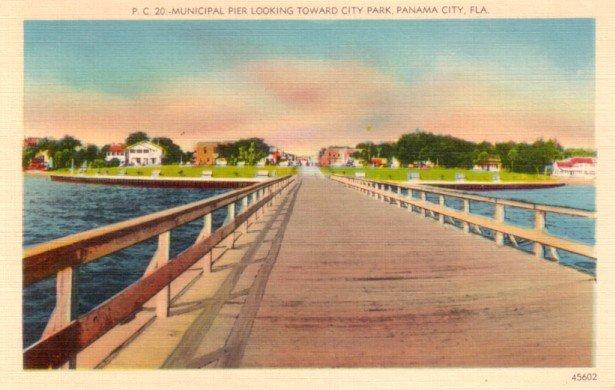 Municipal Pier Facing City Park in Panama City Florida FL, Linen Postcard - 3115
