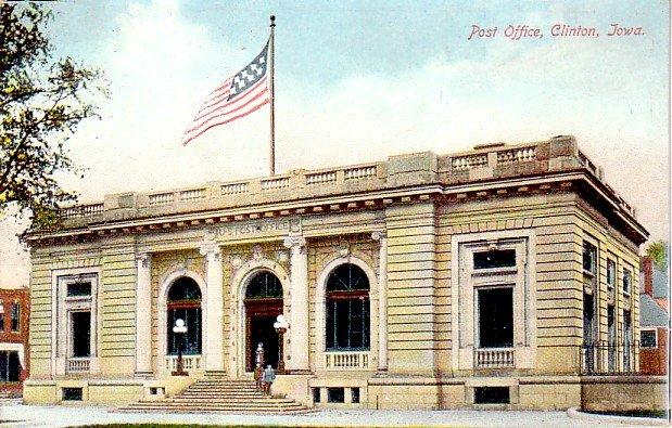 Post Office at Clinton Iowa IA, Vintage Postcard - 3387