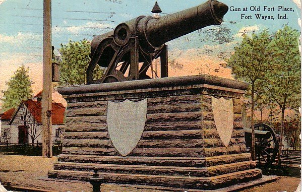 Gun at Old Fort Place at Fort Wayne Indiana IN, Curt Teich Vintage Postcard - 3396