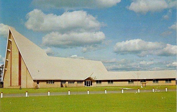 First Lutheran Church at Hayward Wisconsin WI, Chrome Postcard - 3444