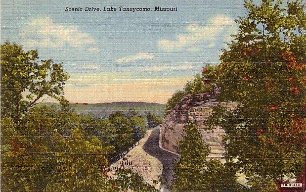 Scenic Drive to Lake Taneycomo at Branson Missouri MO, 1942 Curt Teich Linen Postcard - 3612