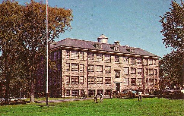 Bliss Hall, University of Rhode Island in Kingston RI, Chrome Postcard - BTS 53