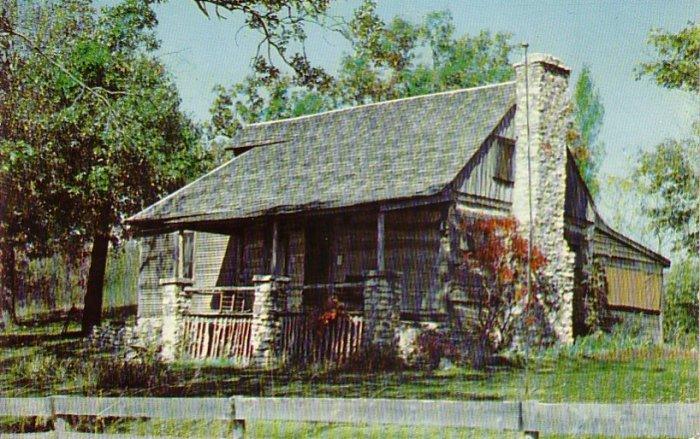 Old Matt's Cabin iof Shepherd of the Hills fame in Branson Missouri MO, Chrome Postcard - 4263