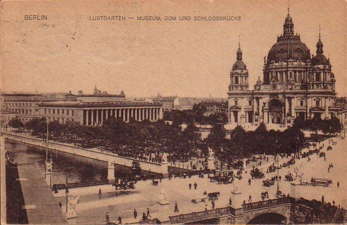 Lustgarten Garden and Museum in Berlin Germany 1922 Vintage Postcard - 4719