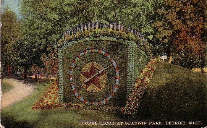 Floral Clock at Gladwin Park in Detroit Michigan MI Vintage Postcard - 5074