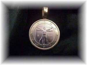 P'S  COIN JEWELRY~DIVINCI'S VITRUVIAN MAN  PENDANT~UNCIRCULATED ITALY ONE EURO
