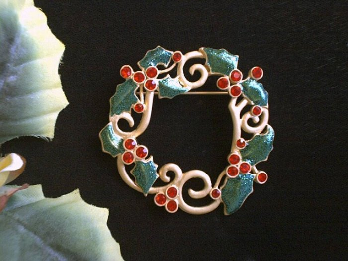 Fabulous Large Golden Wreath Brooch With Red Rhinestones