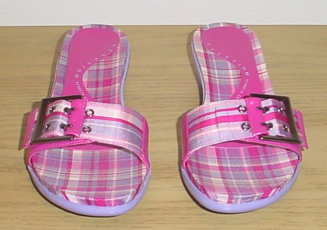 New KENNETH COLE SANDALS Madras Buckle Slide Shoes SIZE 9.5 PINK Plaid