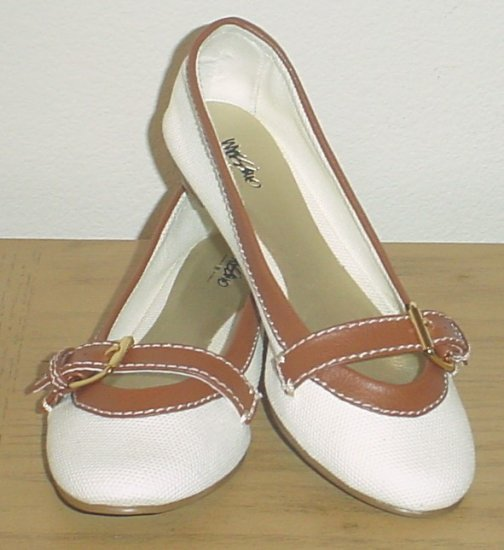 NEW Mossimo BUCKLE BALLET FLATS Round Toe Shoes 10M Tan Leather Trim