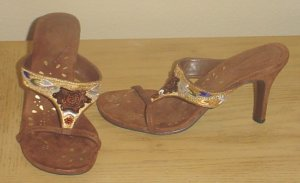 Dollhouse EMBELLISHED SANDALS Strappy Heels 7M BROWN SUEDE Shoes