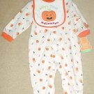 NEW Carters BABYS FIRST HALLOWEEN SET Infant 2 Piece Onesie and Bib 6-9 MONTHS Pumpkin Print