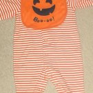 NEW Carters HALLOWEEN ONESIE with PUMPKIN BIB Infant 2 Piece Set 6-9 MONTHS Orange Stripe