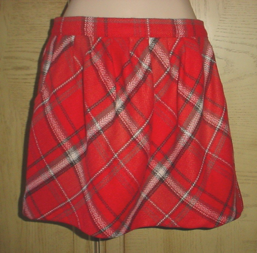 NEW Old Navy PLAID SKIRT Tartan Mini with Pockets SIZE 6 RED Lined