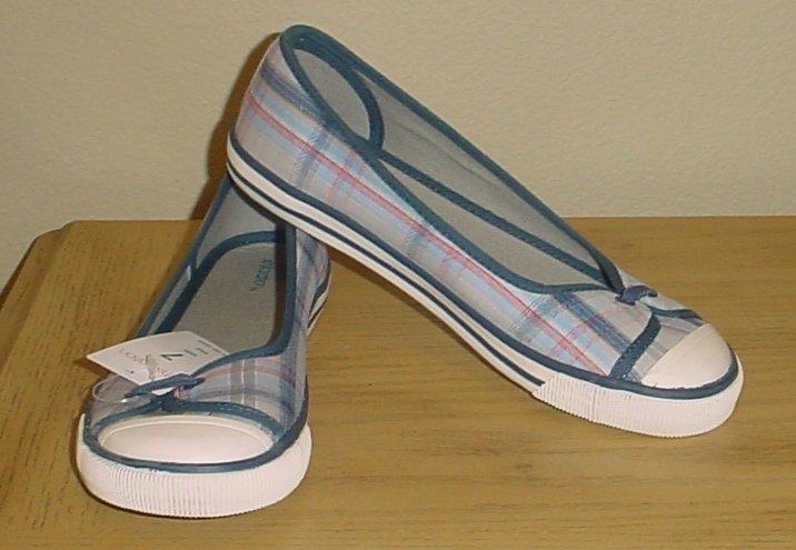 NEW xhilaration PLAID SNEAKER FLATS Size 7M BLUE MADRAS Canvas Shoes
