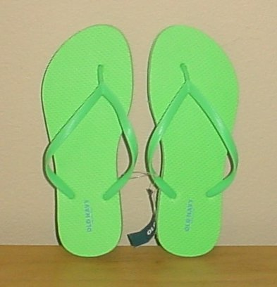 NEW LADIES Old Navy FLIP FLOPS Thong Sandals SIZE 7 GREEN Shoes