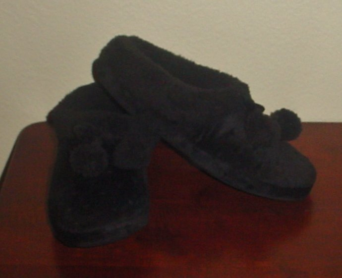 NIB Womes SLIPPERS Dearfoams Plush Lined XL 11-12M BLACK Indoor/Outdoor Shoes