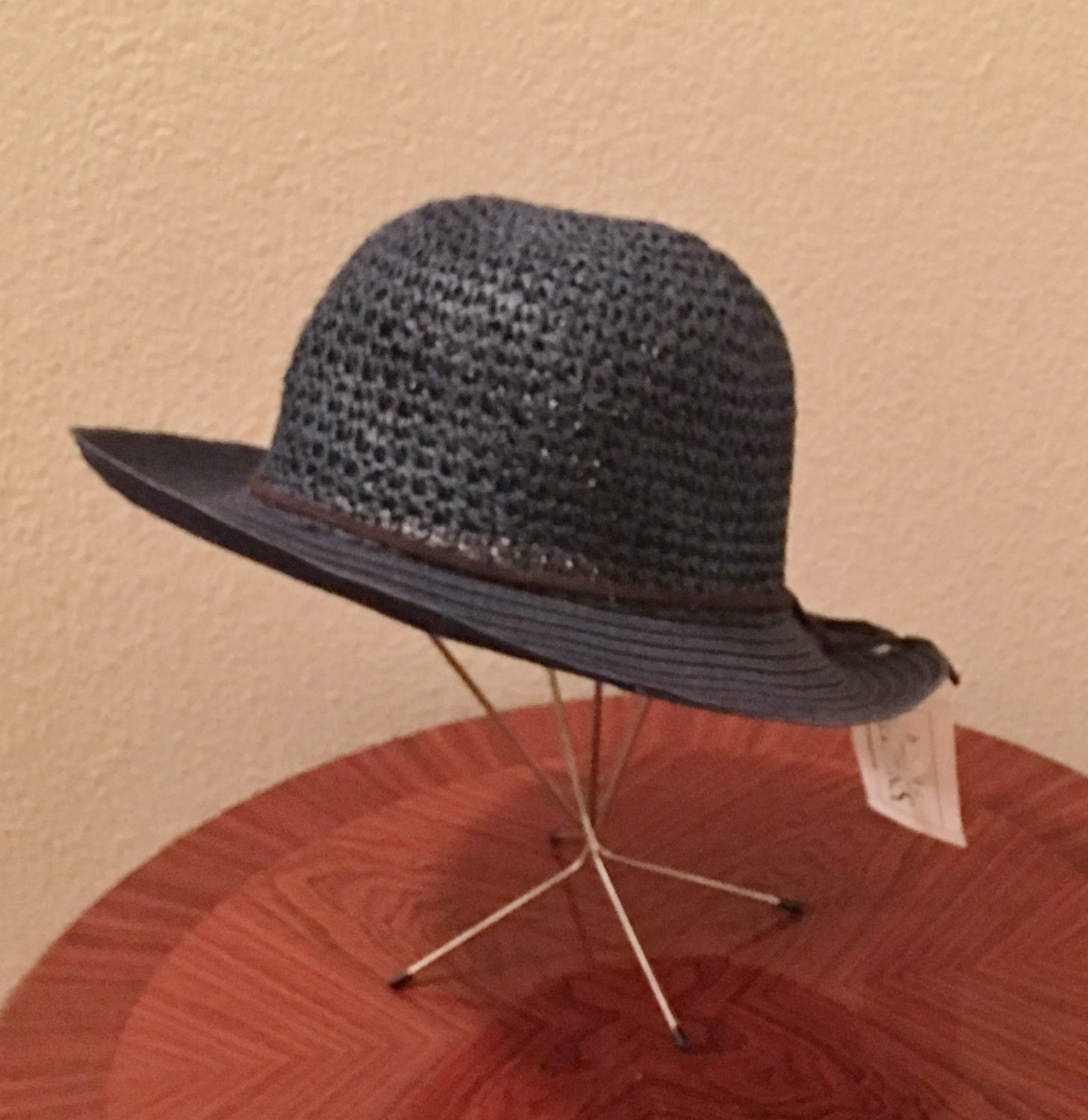 NWT Ladies STRAW HAT Sunhat Crushable/Packable NAVY BLUE One Size Fits All