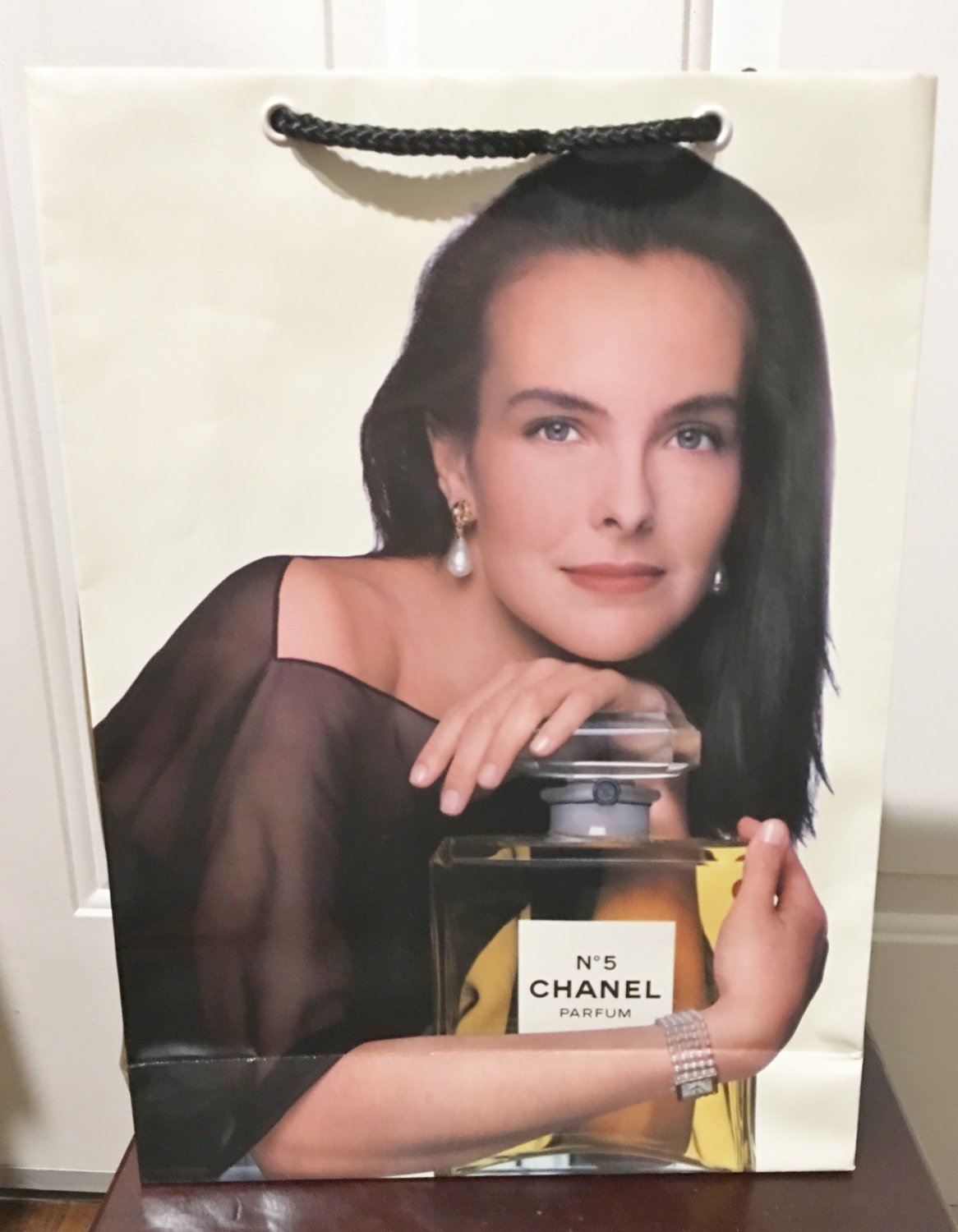 Vintage CHANEL GIFT BAG  QTY 6 Glossy Paper Shopping Bags No5 Fragrance Collectible