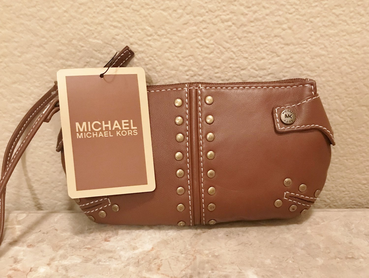 NWT MICHAEL KORS WRISTLET Studded Leather Purse HONEY BROWN Auth