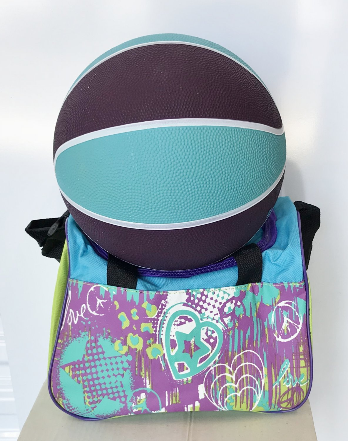 NEW Girls BACKPACK GYM BAG and SPORTSBALL Gift Set 2 Piece BLUE/ PURPLE