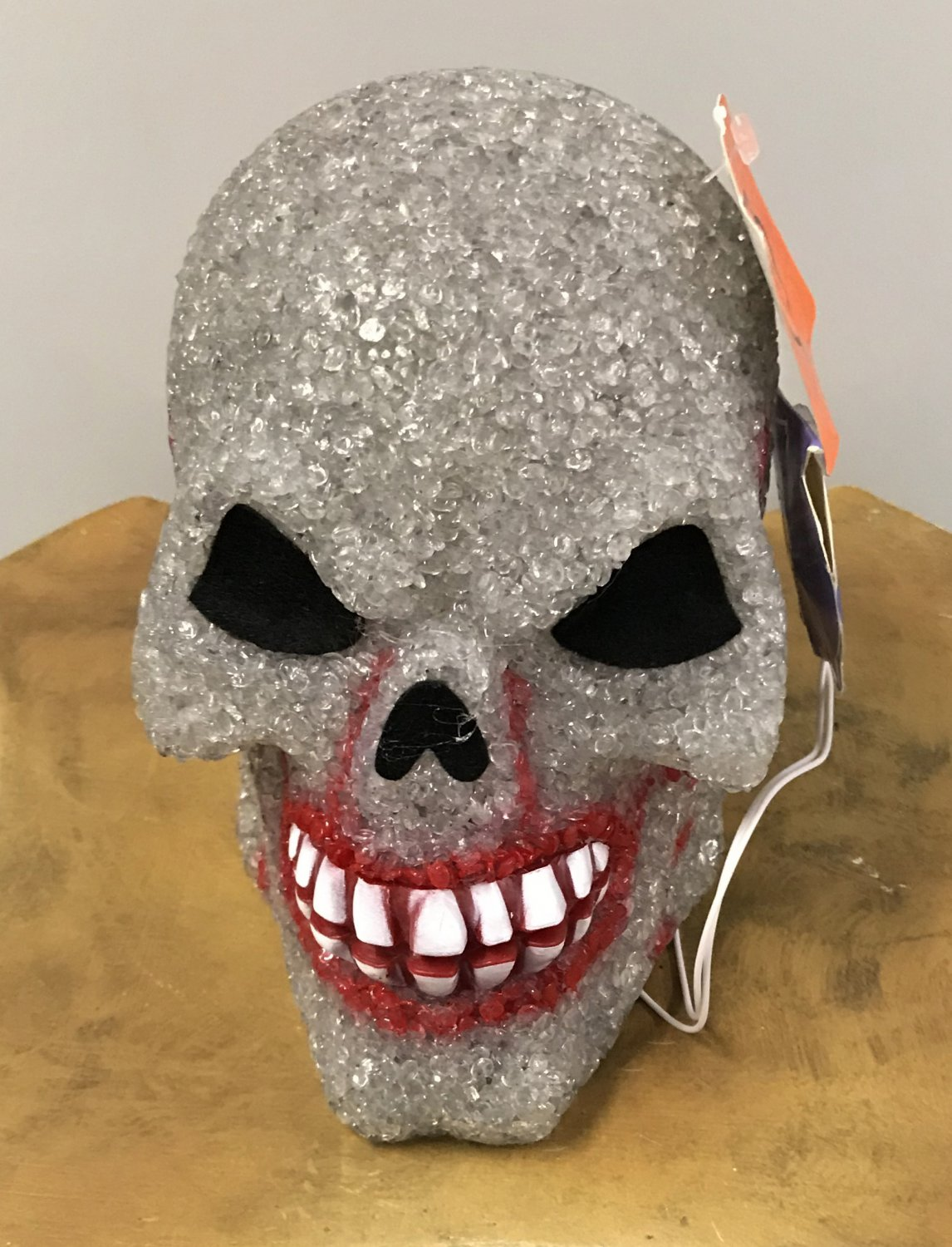 NWT HALLOWEEN GLITTER SKULL Scary Holiday Decoration Tabletop Battery Operated