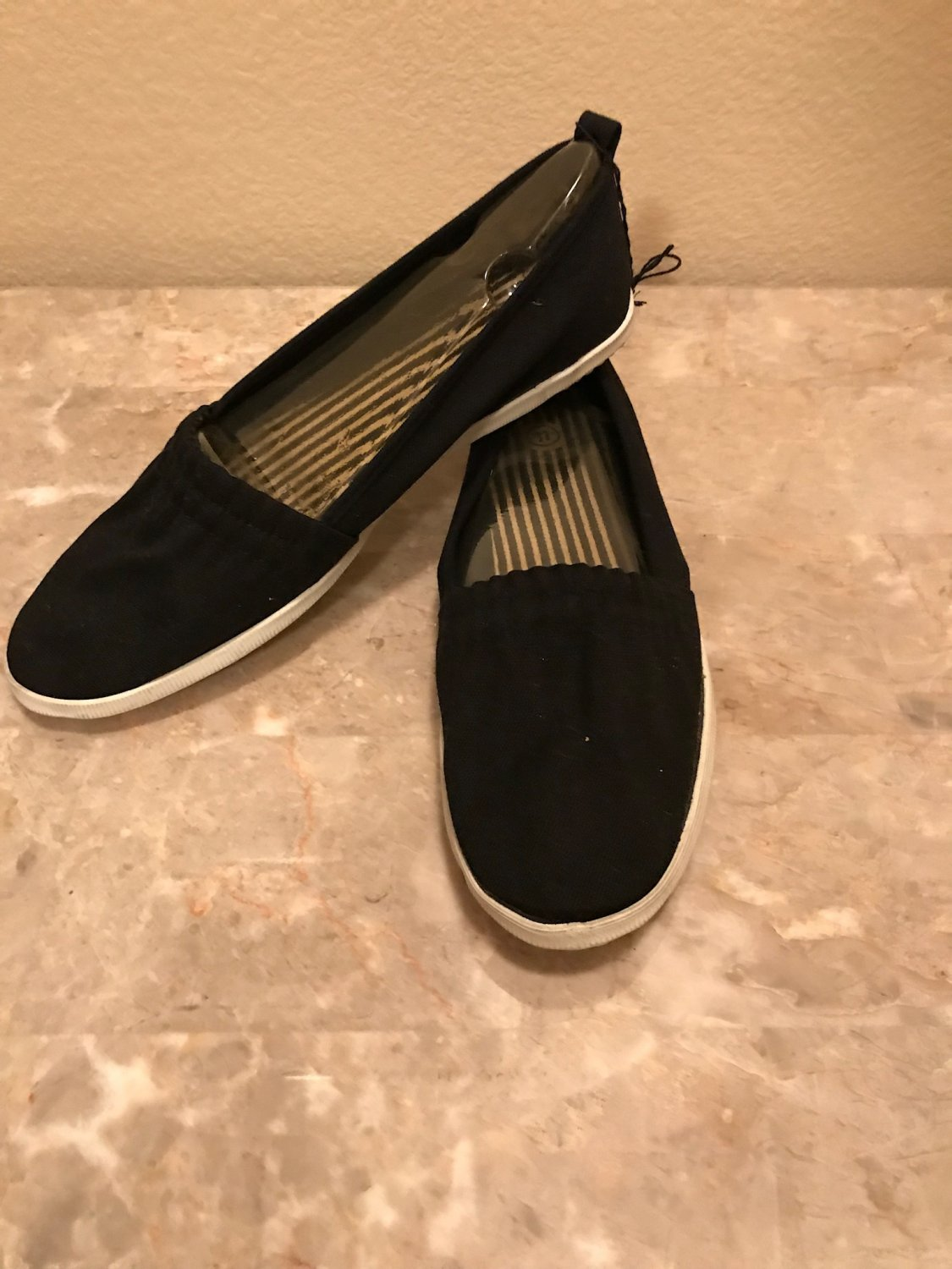 NEW Ladies SNEAKERS Slip On Flats SIZE 11 BLACK Canvas Shoes