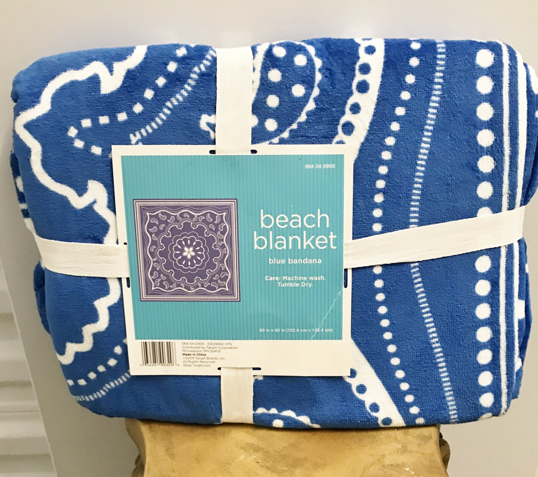 NWT BEACH BLANKET Throw Camping, Sport Events LARGE 60 x 60 BLUE Bandana Print