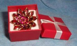 Avon Flower Pin in Giftbox ~ Berry ~ Gift for Christmas Birthday