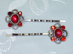 CAMELOT~RED RHINESTONE HAIR PINS BOBBI PINS ~8 ITEMS SHIP FOR THE PRICE OF ONE IN THE US