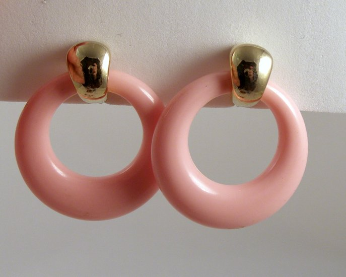 VINTAGE EARRINGS Pink Lucite Mod Hoops Retro Clips