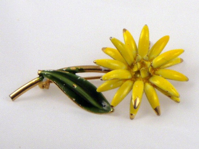 VINTAGE PIN BROOCH Old Yellow & Green Enamel Figural Flower