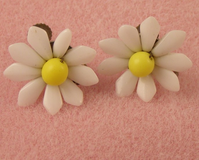 VINTAGE EARRINGS West German White Milk Glass Flowers Yellow