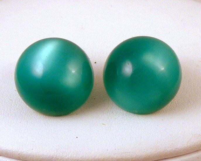 VINTAGE EARRINGS Moonglow Glowing Green Thermo Domes