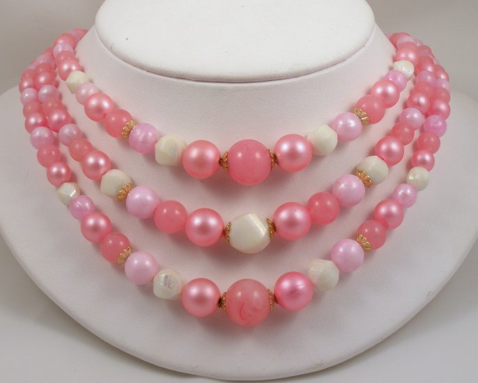 VINTAGE NECKLACE Pink on Pink 3 strand Lucite Beads WOW