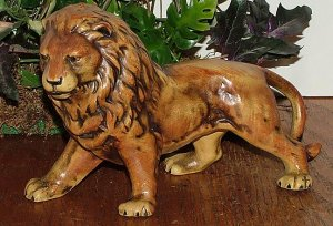 UCTCI Lion figurine bisque Made In Japan