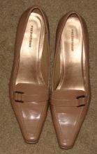 Womens Predictions Pointy Toed Kitten Heel Tan Shoes sz 8.5