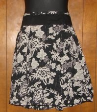 Womens JL Studio Black/White Floral Skirt 24W Pinstripe