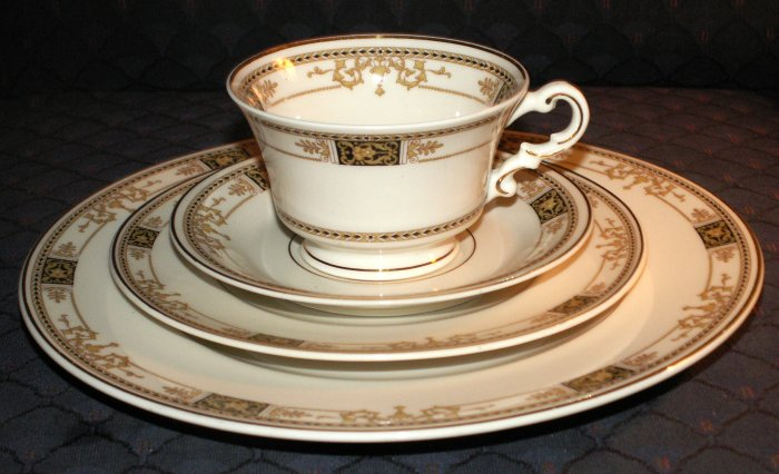 Syracuse Webster 91 Pc Service for 12 & Serving Pieces