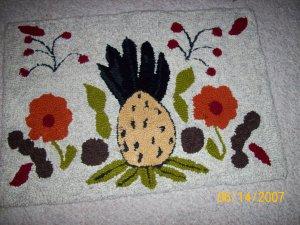 Hook pineapple rug