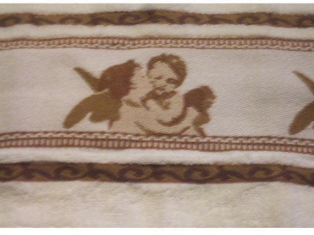 Kissing Angels Hand Towel
