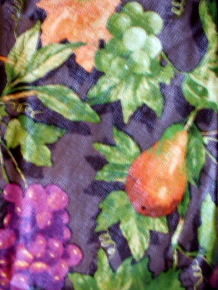Grapes Pears Fruit Round Kitchen Tablecloth