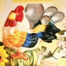 Country rooster figurine with measuring spoons