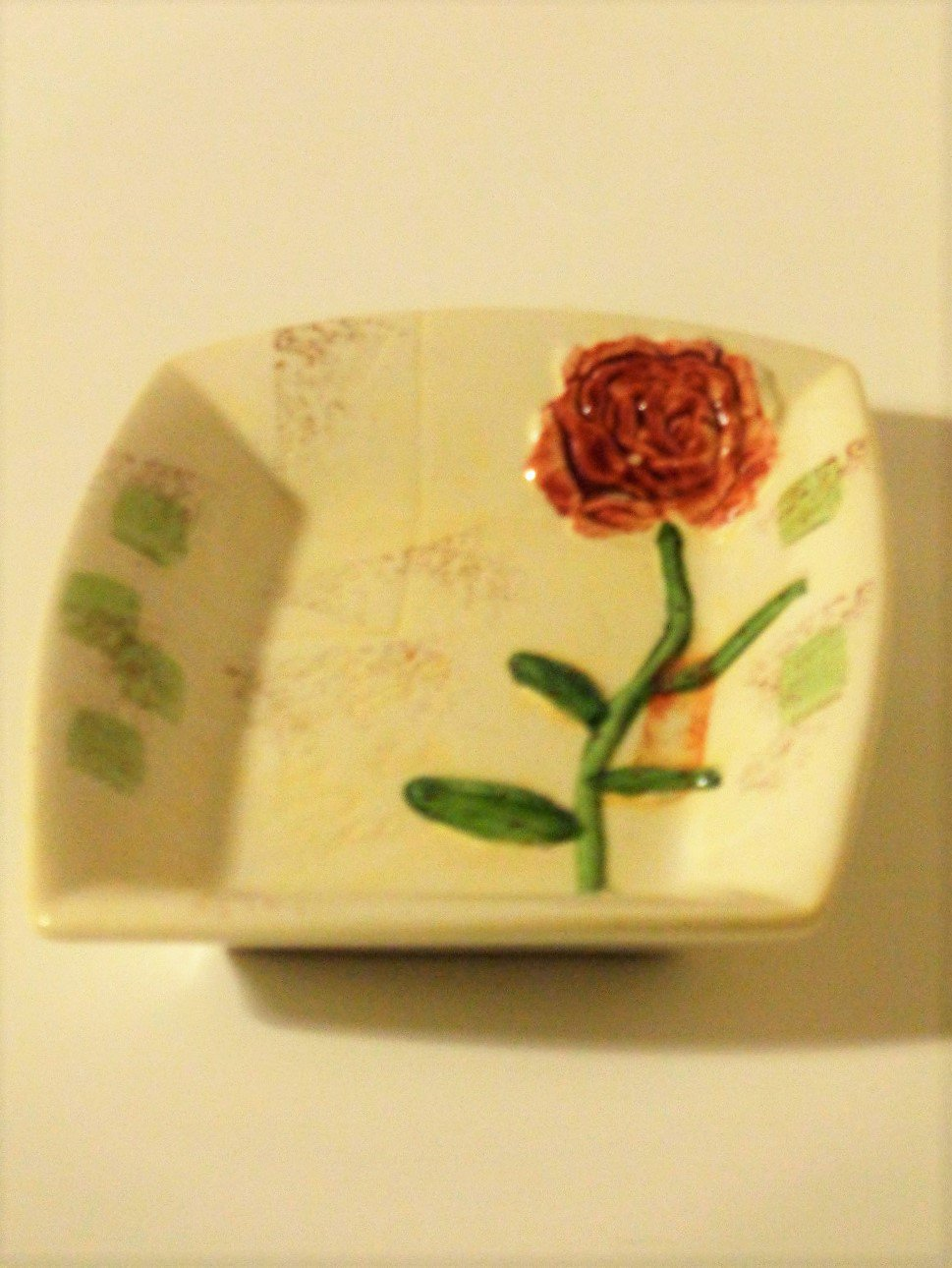 Waverly Rose Ceramic Soap DishT