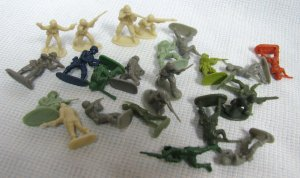 Micro ARMY MEN 20 Hard Plastic Figures