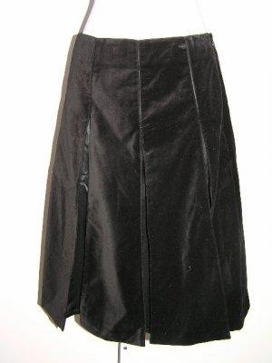 Burberry Pleated Velvet Black Skirt