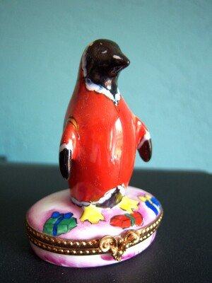 Limoges Sinclair LE Penguin Santa Trinket Box Old Mint Num 24