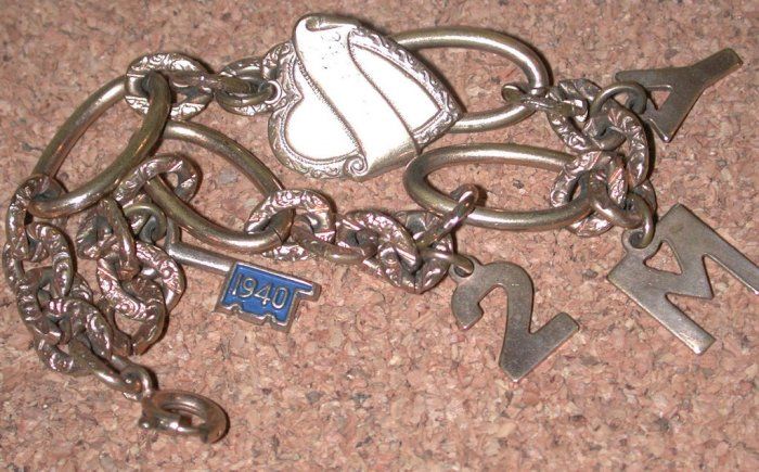 Vintage Sweetheart Charm Bracelet key 2 my heart 1940 Gold Filled GF FREE SHIPPING DISCOUNT