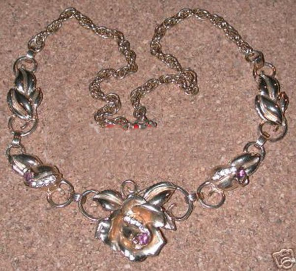 Gold-Tone Vintage Rhinestone Rose Necklace Purple Stones FREE SHIPPING DISCOUNT AVAILABLE