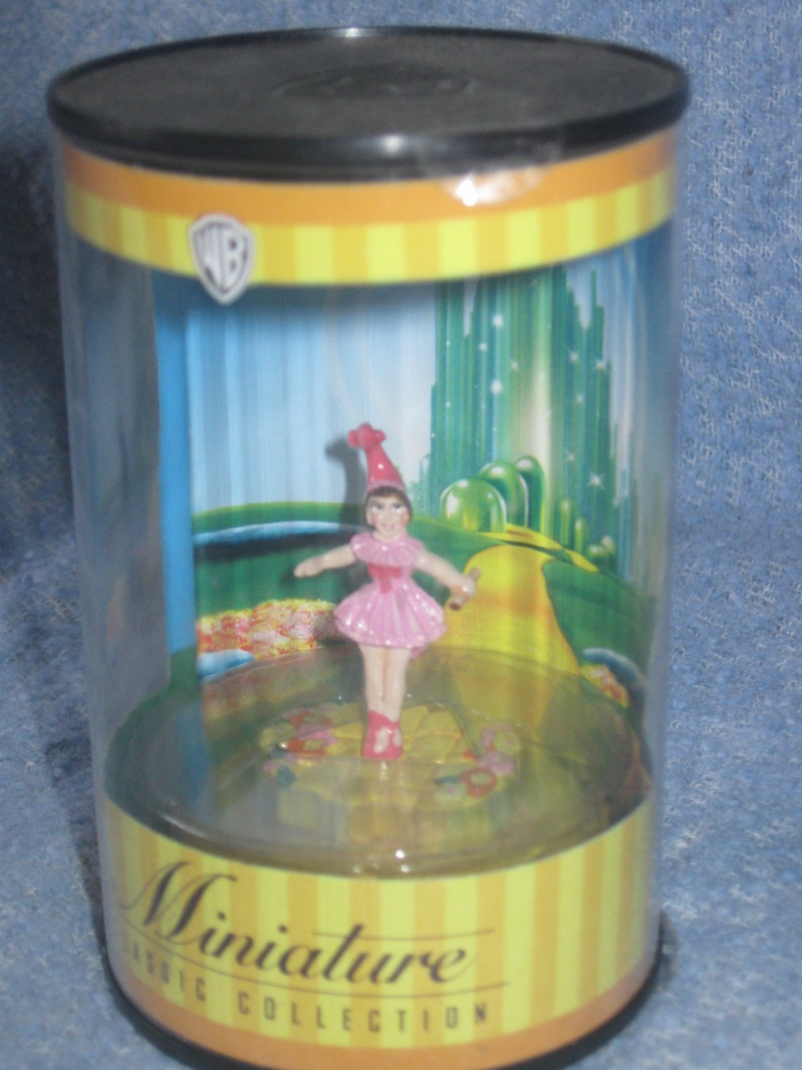 WB Wizard of Oz Miniature Classic Collection - Lullaby Girl