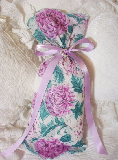 Shabby Chic - Vintage Hankie - Lavender Sachet - Sachets - Scented Gift Ideas -LAV